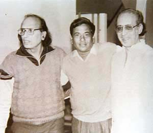 basheer badra with praveen kumar ashkk and nida fazli